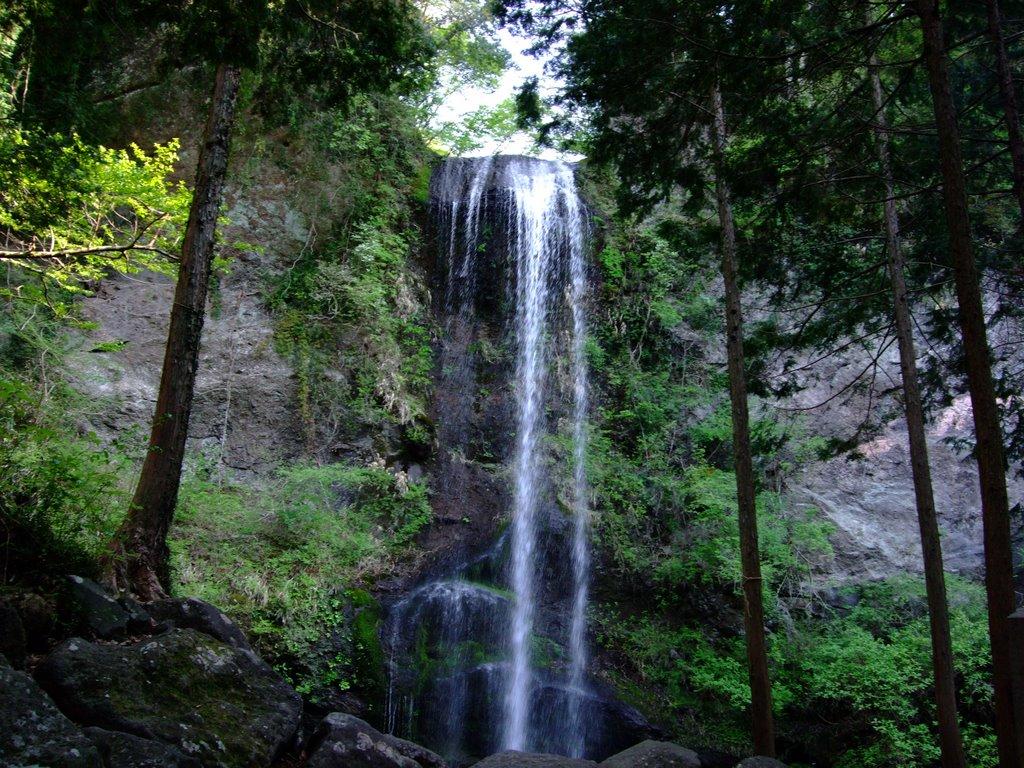 夕日の滝は滝行を体験できる!料金や持ち物は?駐車場は?